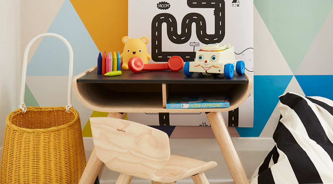 Add kids' drawing ideas to your playroom