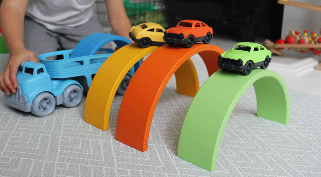 Green toys cars