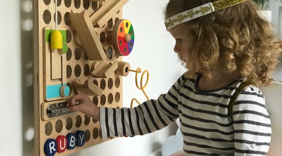 Muro busy board