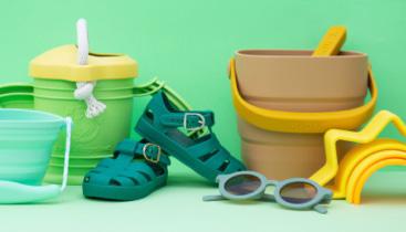 #KIDLYBucketList header image with summer gear