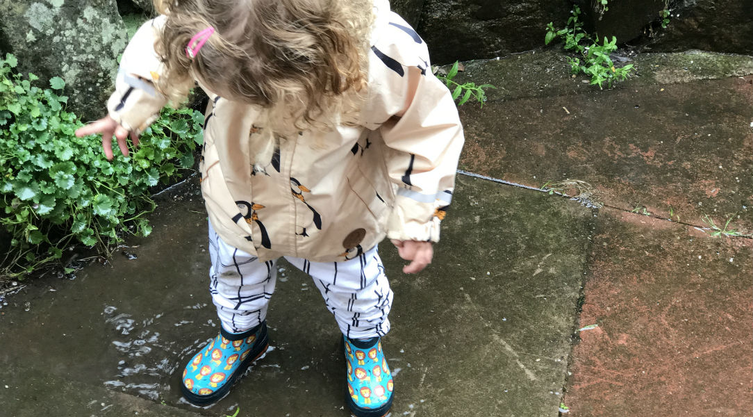 Ruby testing out the Pico Nido Lion ankle wellies