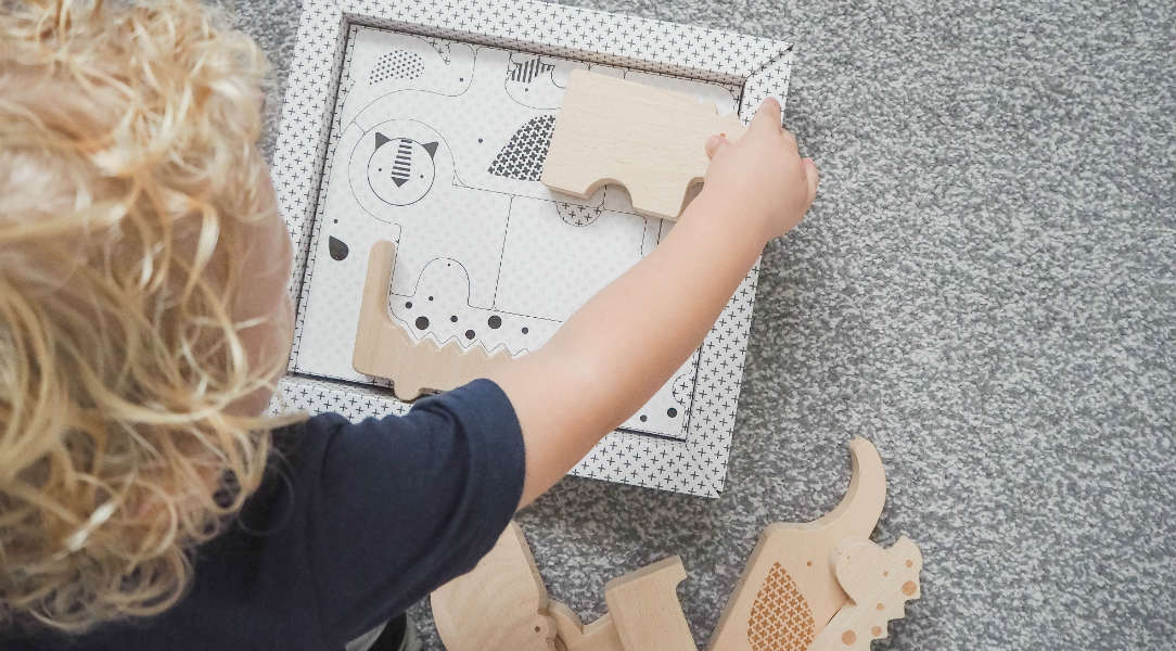 Sustainable play with this wooden puzzle